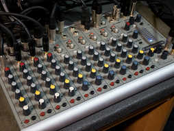 Микшер Soundcraft compact10