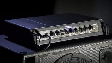 Бас-гитарный усилитель Ampeg PF-800