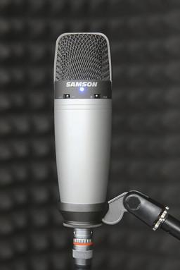 Студийный конденсаторный микрофон Samson C03