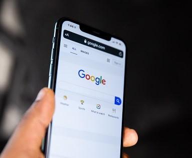 Google motore di ricerca globale. Utilizzo di spider e Crawler per indicizzazione