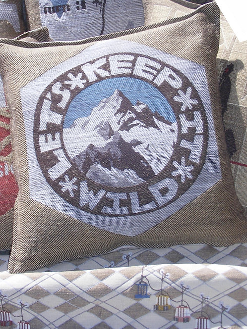 Keep it wild Cushion