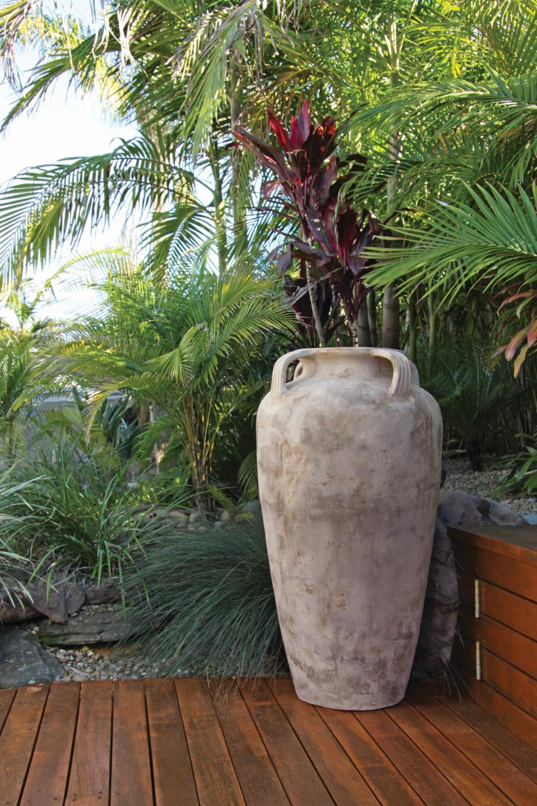 Pelermo Jar