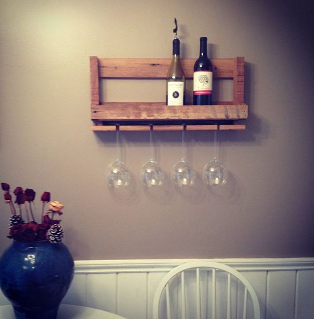 Rustic Pallet Wine Rack