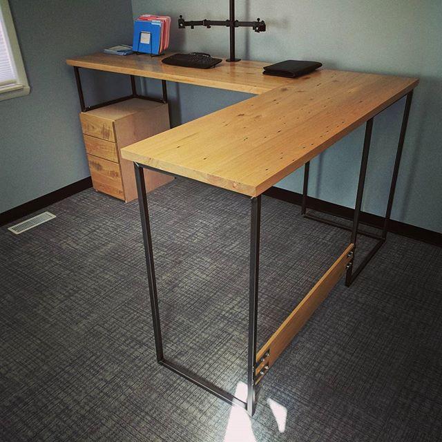 Stand L Desk