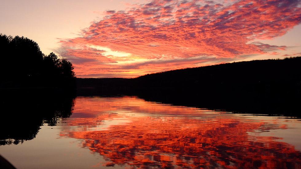 Coucher de soleil sur le lac Bowker dans les cantons de l'Est