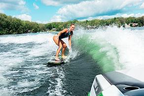 Protection du lac - Dommages causés par le nautisme, bateaux Wakeboats, wakeboard, surfboats, Photo benjamin klaver
