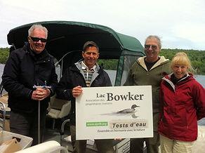 Membres de l'Association des propriétaires riverains du lac Bowker, en Estrie, Québec