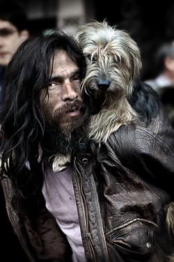 Morador de Rua e seu cão, Liberdade