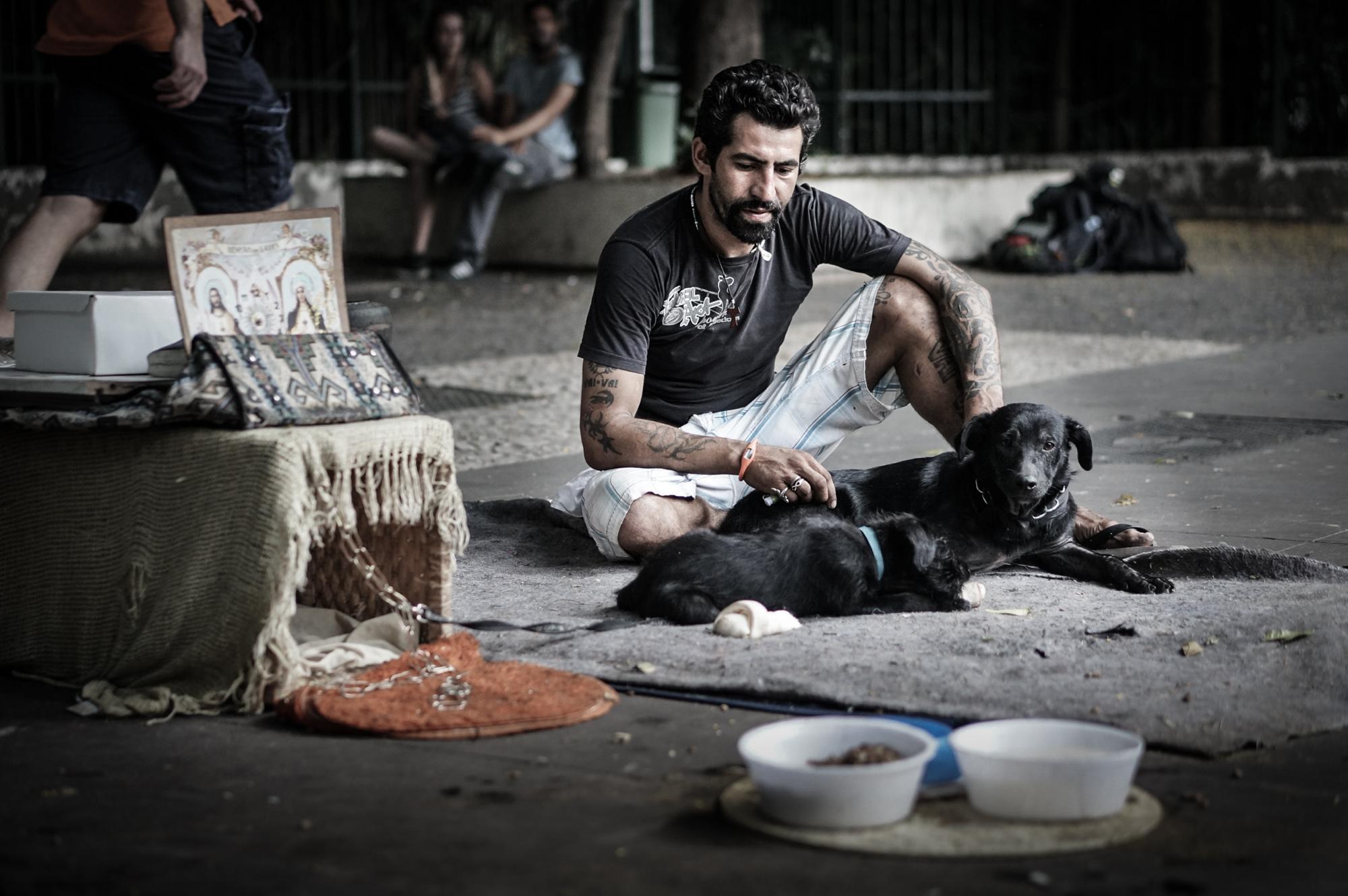 Morador de Rua e seu cão - Paulista