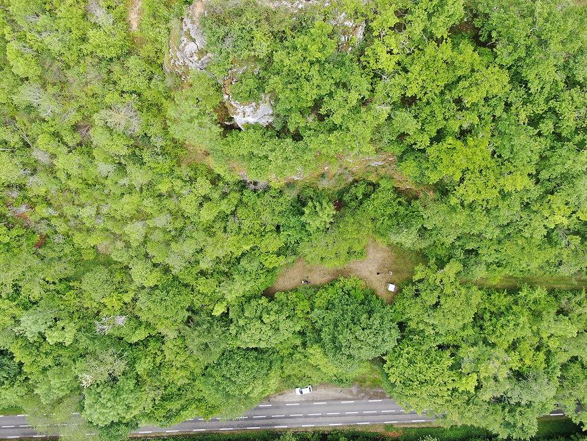 Les 3 niveaux de grotte vue aerienne.JPG