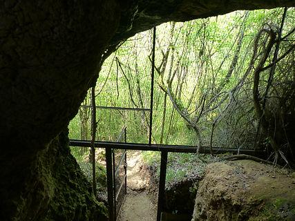 La grotte de Coupe-Gorge.JPG