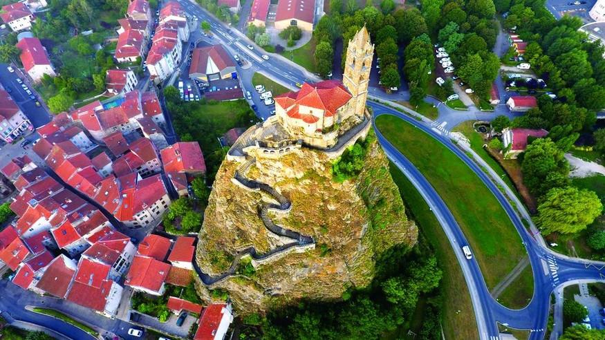 Le Rocher St Michel d'Aighuille