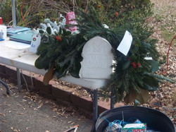 mailbox+wreath+with+berries.jpg