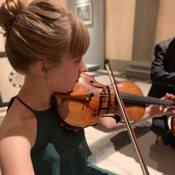 Natalie Smith, violin