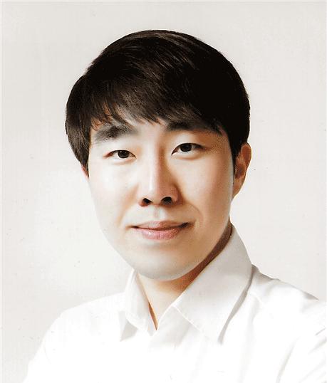 허지웅 / 대표이사
