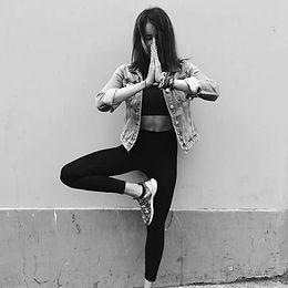 sarah gebeli noir et blanc.JPG