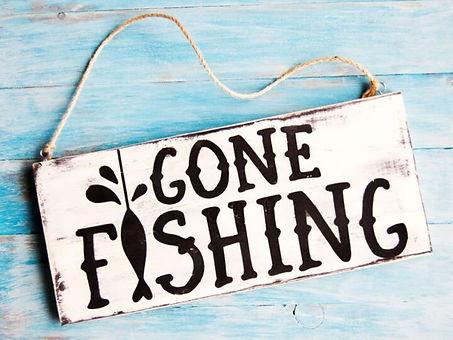 gone-fishing-sign-diy-e1464489064786-720x540.jpeg