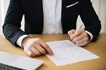 contrato-de-assinatura-de-corte-de-homem