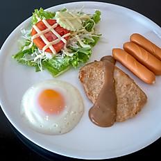 ชุดไข่ดาว + หมูทอด + ไส้กรอก