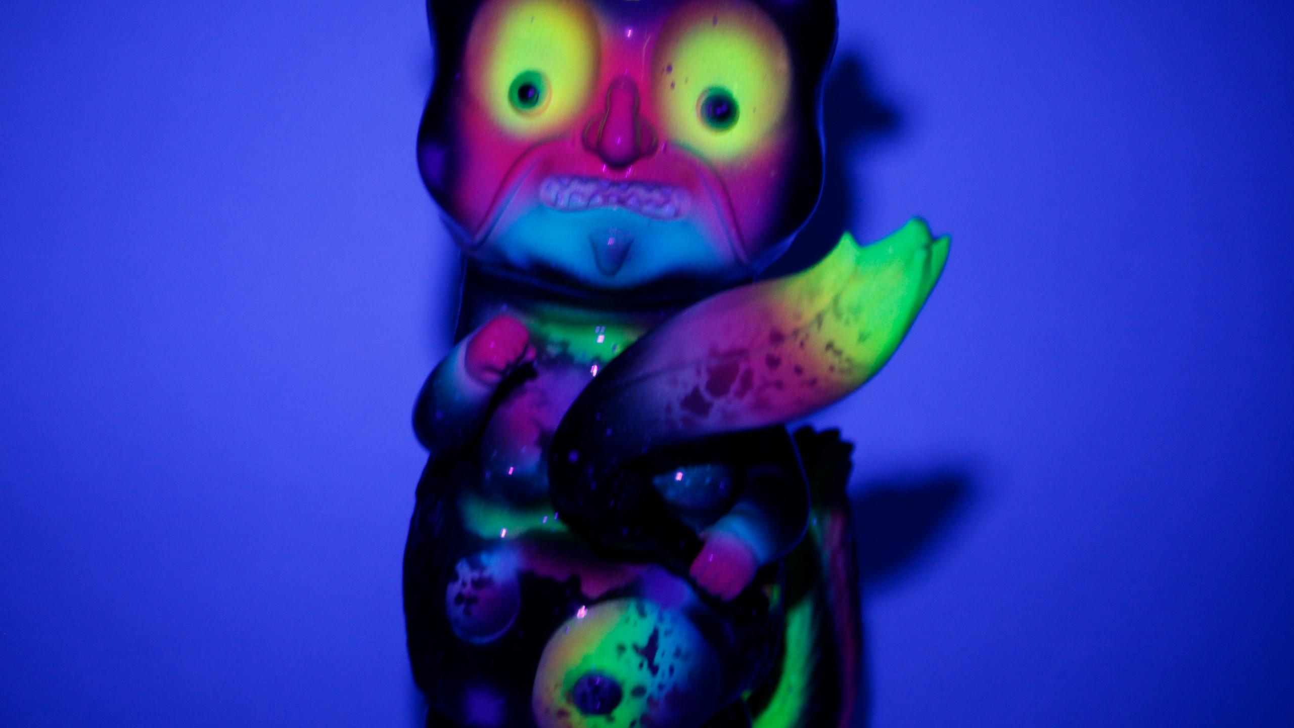 """""""NEON SPACE"""" Huang Da Xien Weasel (Glow in the Dark)"""