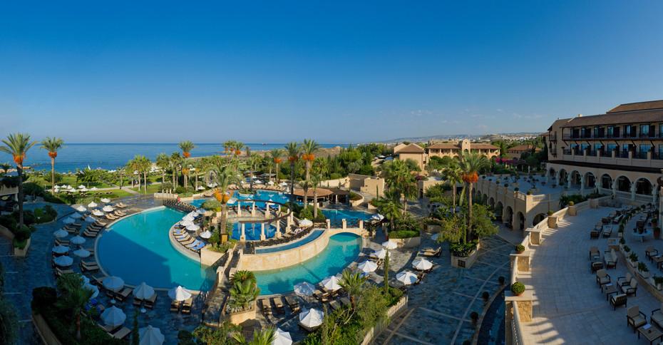 Elysium Resort Pano