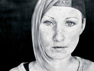 Una Joven Serbia: Entre la Brutalidad y la Belleza