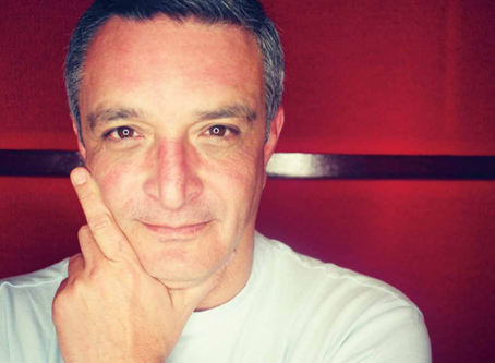 Guillermo Canales: La Voz de Back in Time