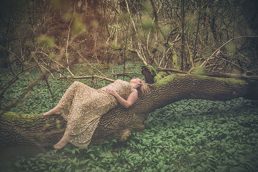 Gayatri_Beegan_goddess_of_the_forest.jpg