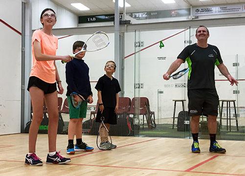 junior-squash-training-group-coaching-ch