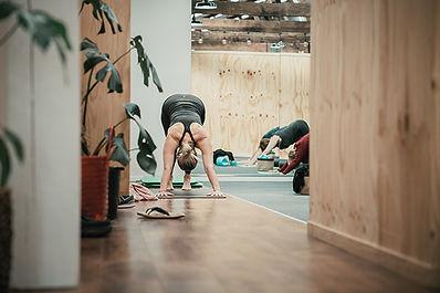 jen-rice-fitness-pilates-class-session.j