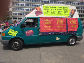RADIA – The feminist mobile studio bus