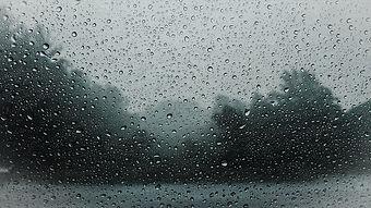 raindrops-828954_960_720_edited.jpg