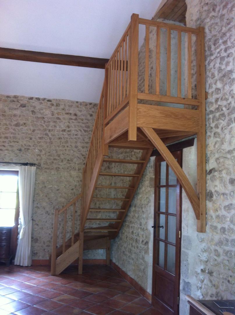 staircase with Juliette Rouffiac 2017.JP