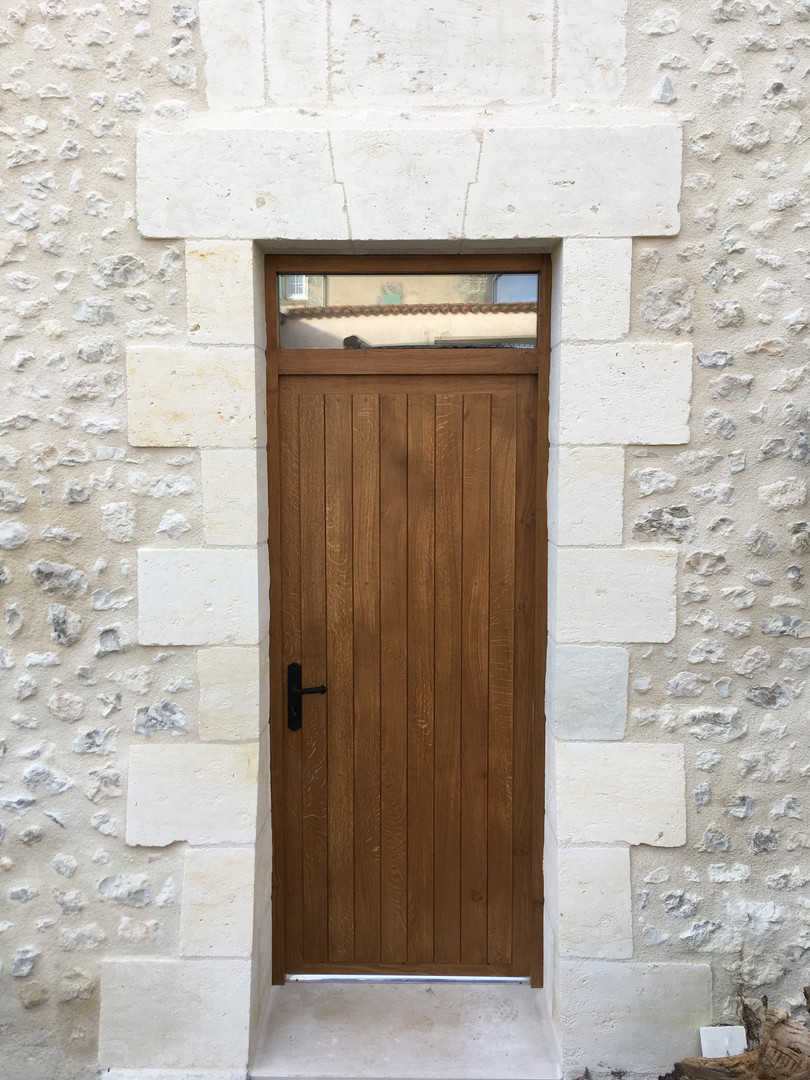 Side_Front_Door_Presbytère.JPG