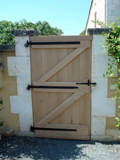Gate door