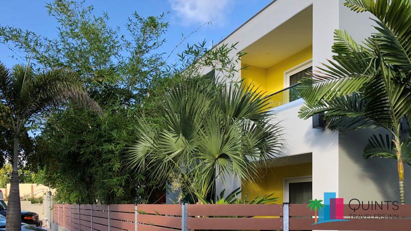 IMG-2867 front garden.jpg