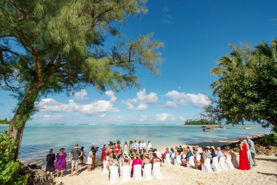 Wedding in front of Muri Shores