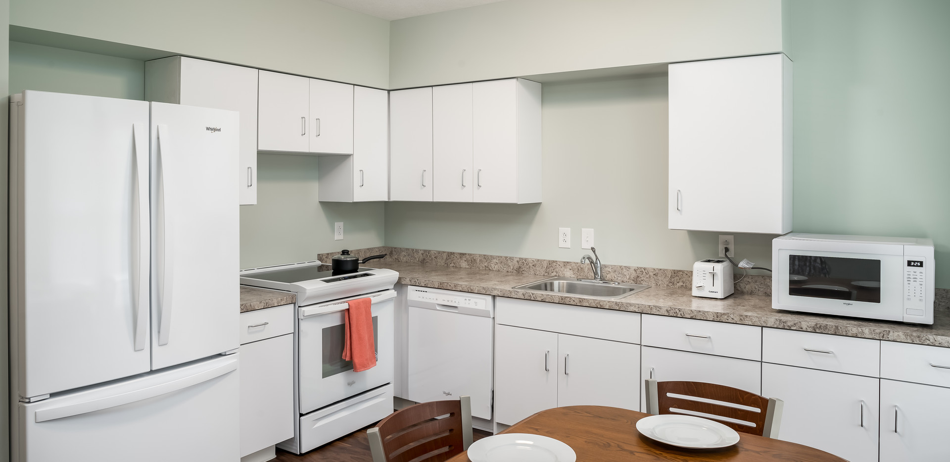 Transitional Apartment - Kitchen/Dining