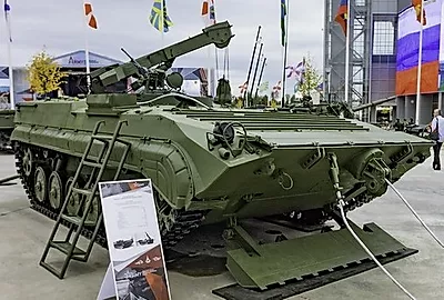 404 BREM-Tch Tracked Recovery Vehicle