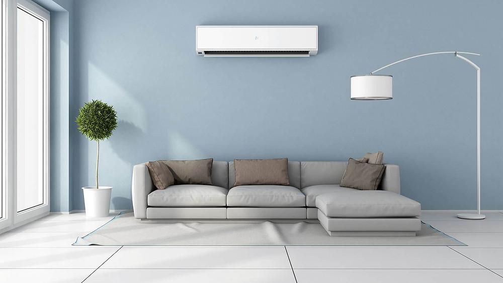 Processo de tratamento do ar interior em espaços fechados. Esse tratamento consiste em regular a qualidade do ar interior, no que diz respeito às suas condições de temperatura, umidade, limpeza e movimento. Para tal, um sistema de condicionamento de ar inclui as funções de aquecimento, arrefecimento, umidificação, renovação, filtragem e ventilação do ar.