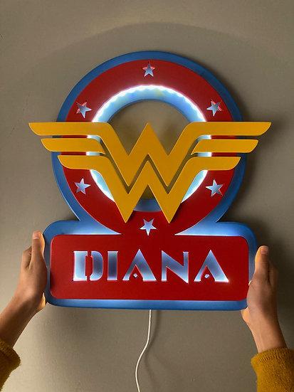 Lámpara Wonder Woman personalizada