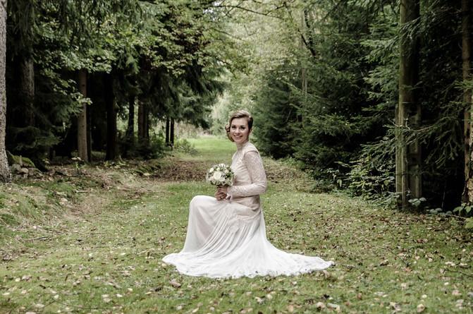 Maßgeschneidertes Brautkleid aus Spitze im Vintage-Look