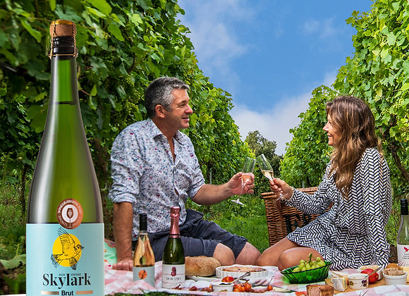 Picnic for 2 people with wine voucher at Chet Valley Vineyard