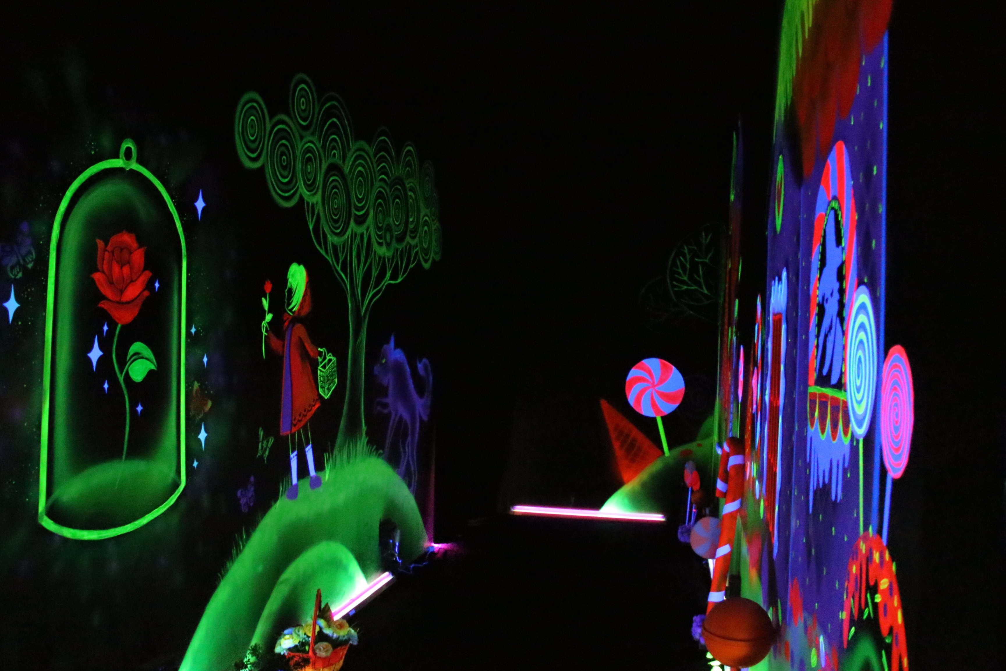 Glow-in-the-dark Graffiti