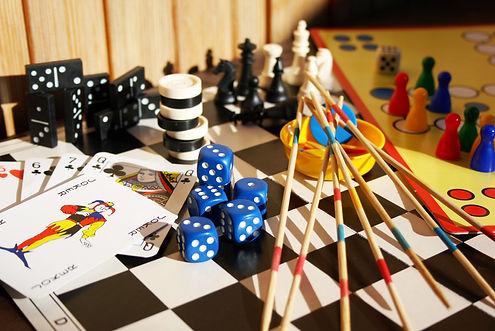 Les jeux & jouets d'Alice Cap Ferret .. c'est le paradis des enfants ! Cadeaux de noël, anniversaires, naissances .. Jeux de société, jouets de plages ..