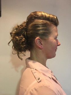 50's inspired hair up