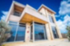 Perth beach house on a narrow building lot. Modern architect designed beach house. Beach house achitecture Perth.