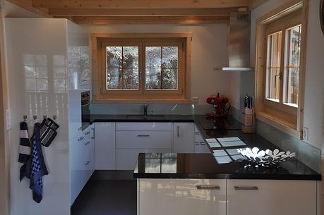 Küche-chalet-Antoinette-Ernen-Wallis.JPG