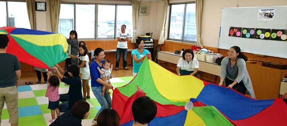 「じょいふるピアノハウス」の0~3歳向けプログラム&脳科学を取り入れたママ向け子育て講座