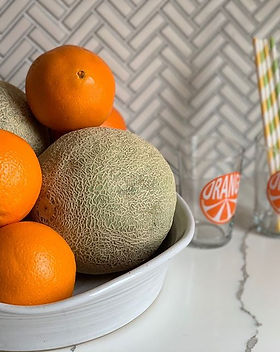Winter citrus with perfectly ripe cantal
